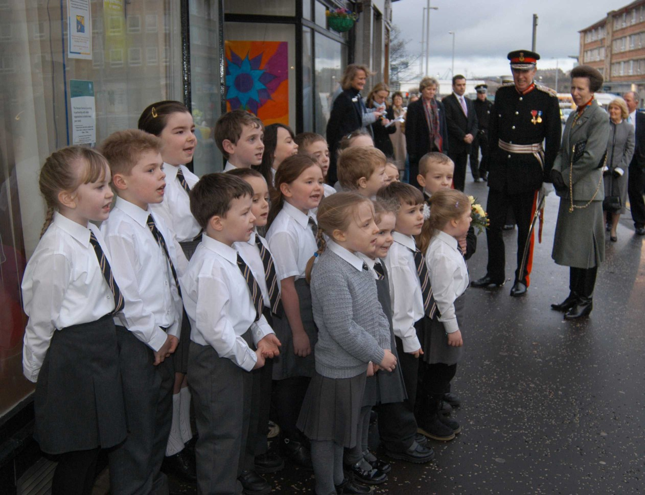 Princess Anne with Kids from Inverclyde primary school
